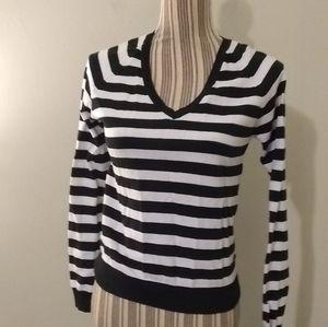 Zara V-neck Pullover Striped Sweater